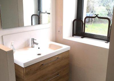 Salle de bain N°1 au RDC avec douche + WC + lave linge + sèche linge